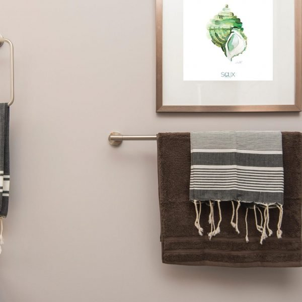 Detalle lámina caracol verde en un baño zero waste