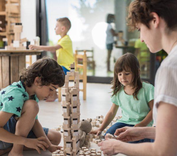 juego de madera para todas las edades. Escoger el juguete perfecto.