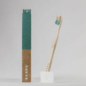 Cepillo-de-dientes-verde-medio