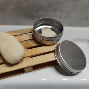 Caja metálica para transportar cosmética sólida